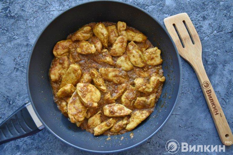 Соединение курицы с соусом