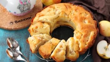Кекс с яблоками