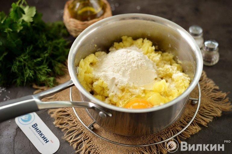 Подготовка картофельного теста