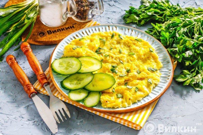 Завтрак из яиц на скорую руку