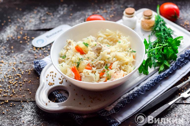 Порция риса с индейкой