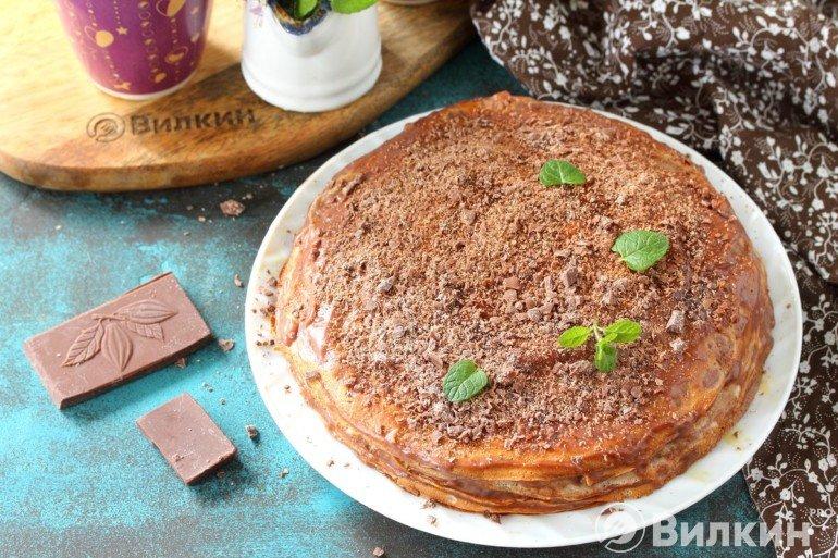 Шоколадный блинный торт на праздничный стол