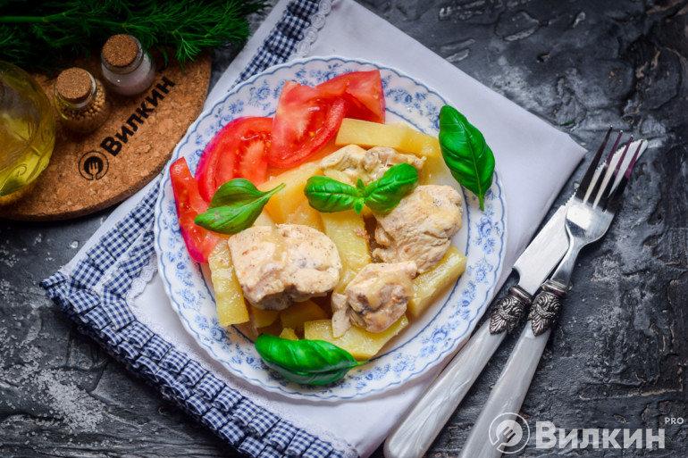 Запеченная картошка с куриной грудкой