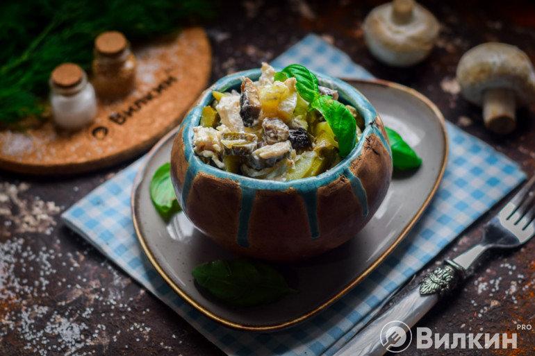 Салат с курицей и шампиньонами для праздничного стола