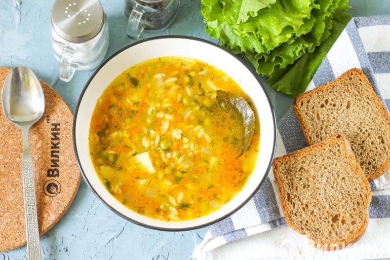 Сытный суп на мясном бульоне
