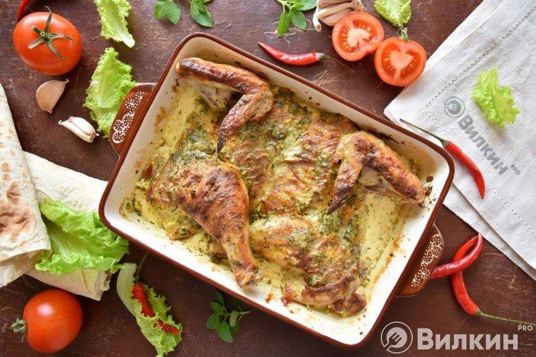 Тушеная курица в духовке по-грузински