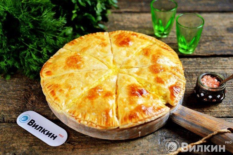 Хачапури с сыром в виде пирога