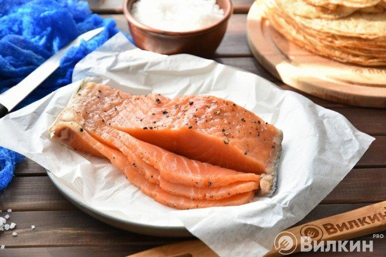 Подача рыбки на стол