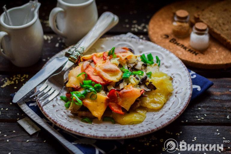 Порция картофельной запеканки