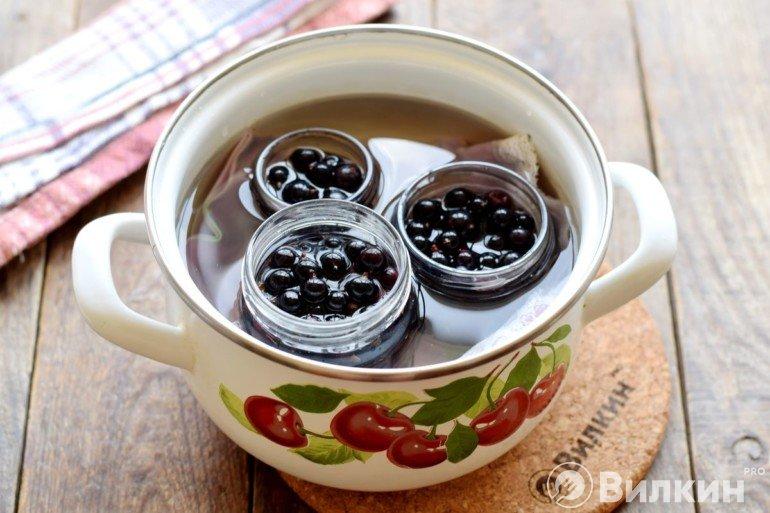 Дополнение ягод в таре