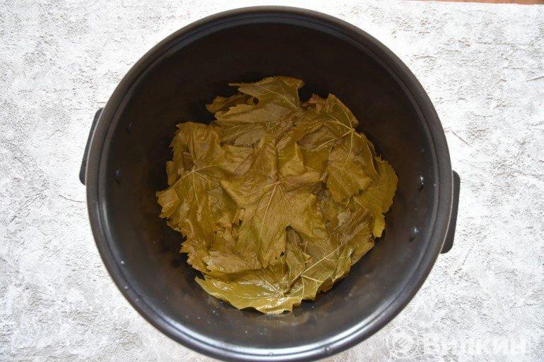 Укладка листьев в чашу