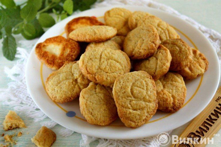 Рассыпчатое печенье на маргарине к чаю