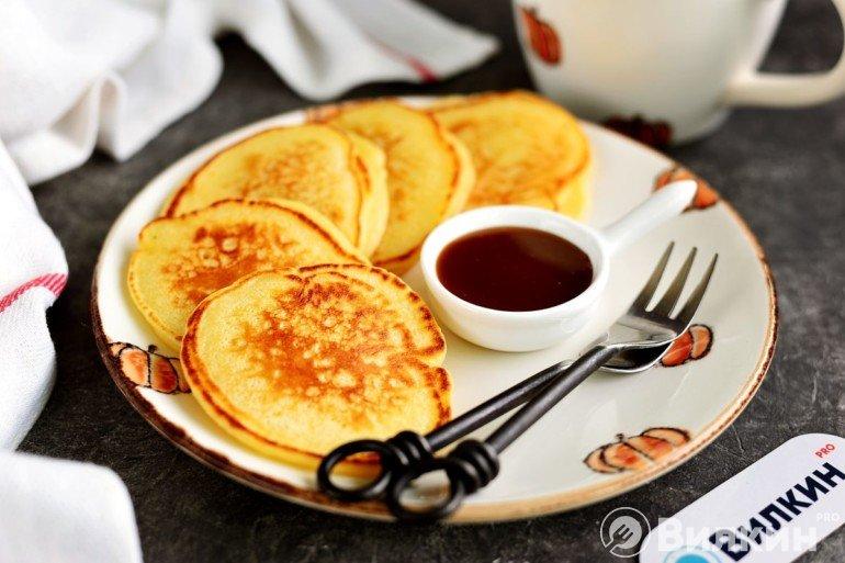 Оладьи на простокваше для сытного завтрака