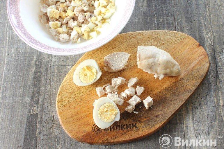 Нарезка мяса и яиц
