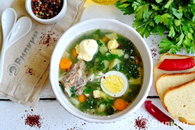 Разливка супа в глубокие тарелки