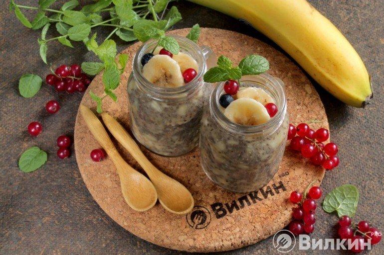 Банановый пудинг с семенами чиа