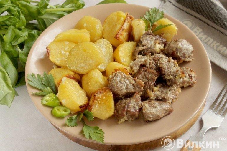 Картошка с мясом и майонезом в духовке