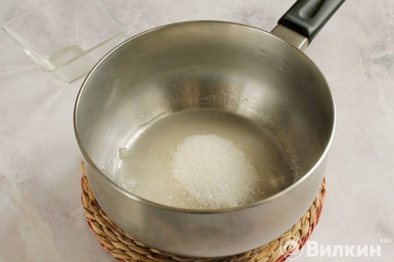 Сахар с водой