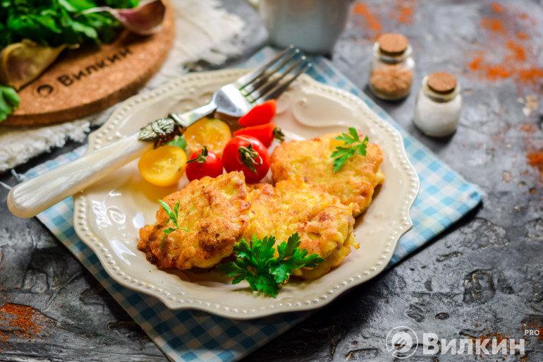 Подача мяса по-албански на стол