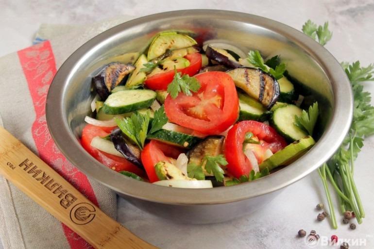 Овощной салат к шашлыку на пикник