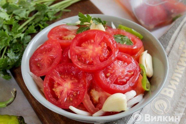 Маринованные помидоры на скорую руку