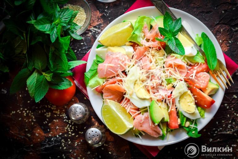 Новогодний салат с семгой