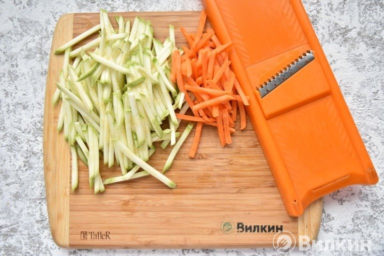 Кабачки и морковь