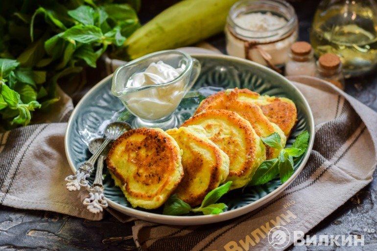 Пышные оладьи из кабачков на завтрак