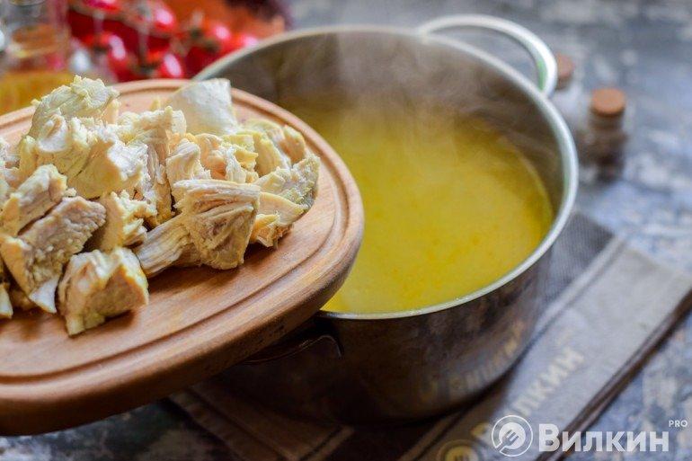 Добавление курицы в суп