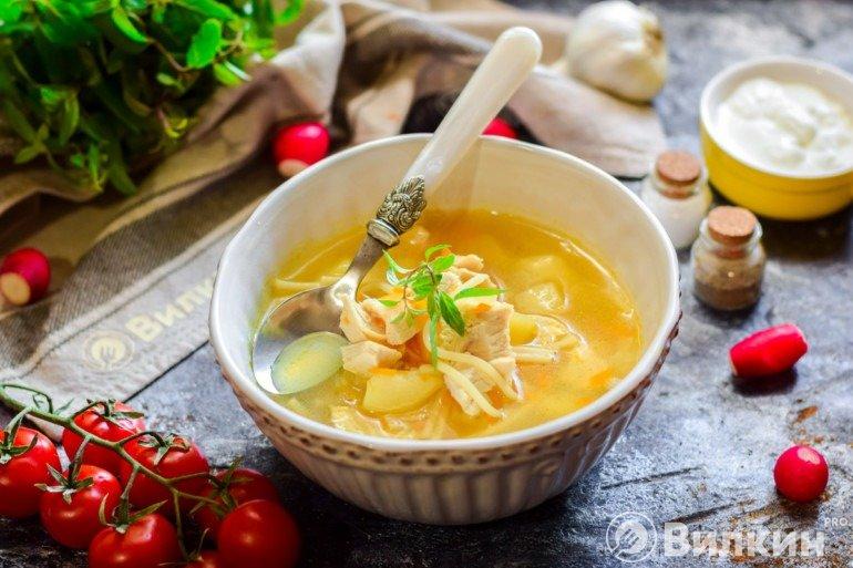 Куриный суп на обед