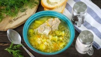 Суп с мясом и картошкой