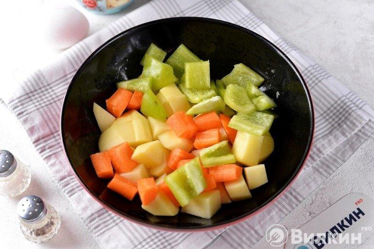 Перец, картофель и морковь
