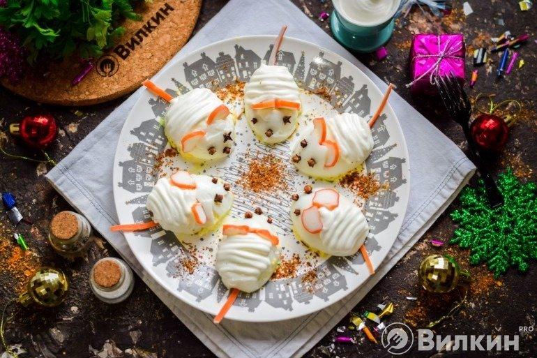 Фаршированные яйца «Крысы» для новогоднего стола