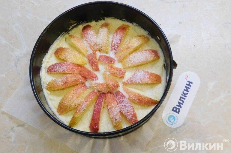 Выкладка яблочных долек