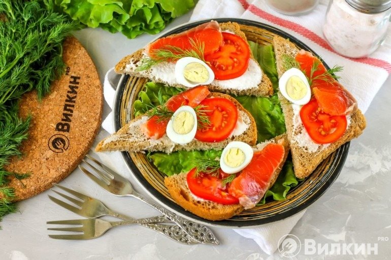 Бутерброды с горбушей соленой