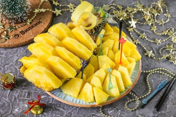 Нарезка из ананасов