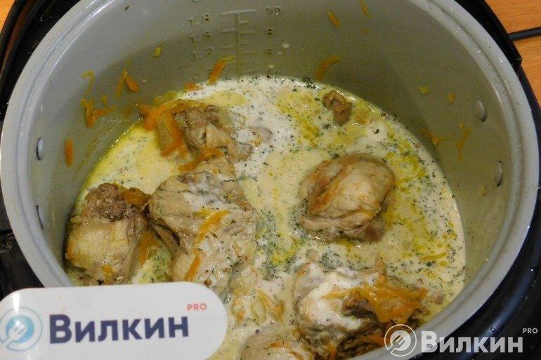 Заливка сметанного соуса к мясу