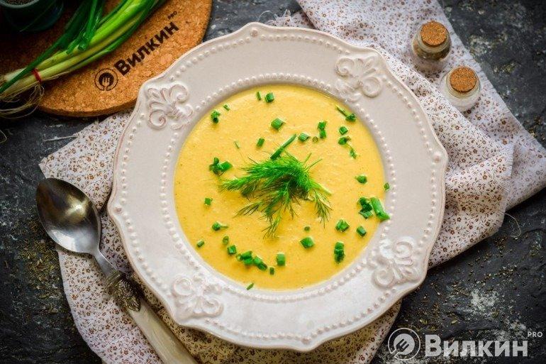 Овощной суп-пюре со сливками на обед