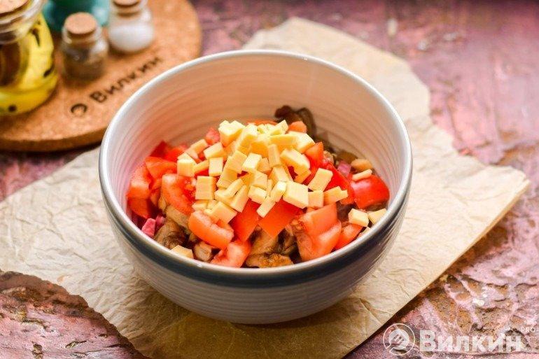 Ингредиенты салата в миске