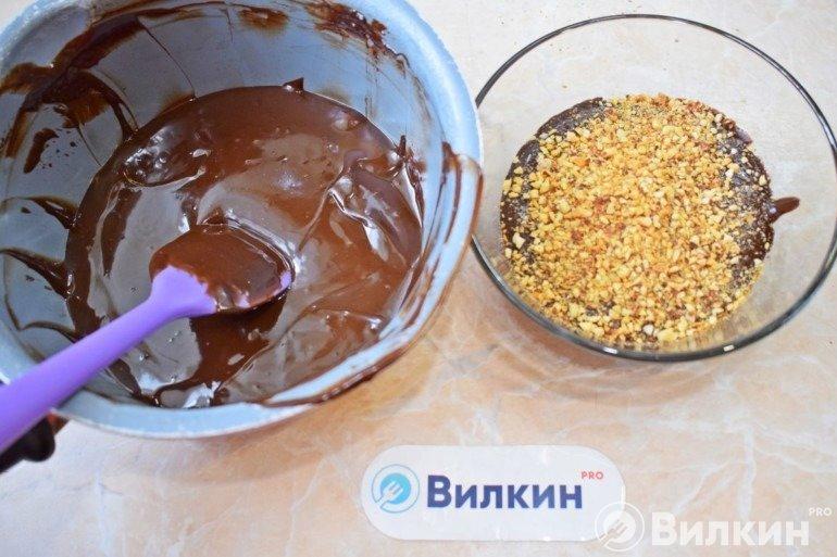 Шоколад и орешки
