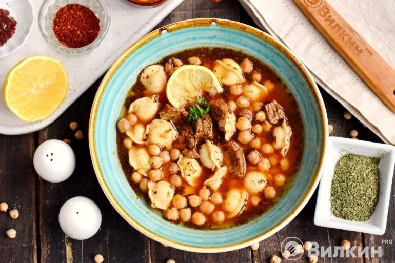 Порция турецкого супа
