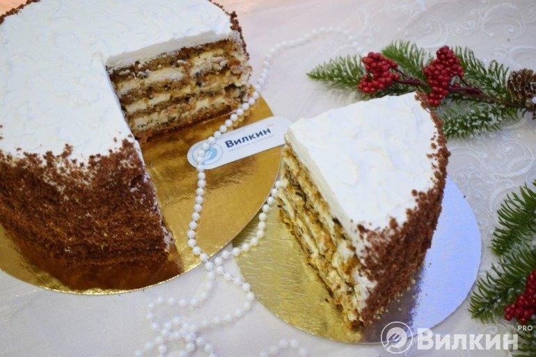 Бисквитный торт с кремом чиз на десерт