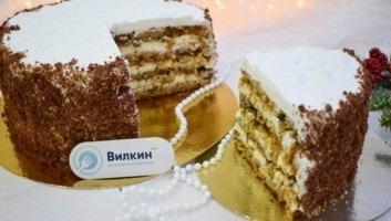 Бисквитный торт с кремом чиз