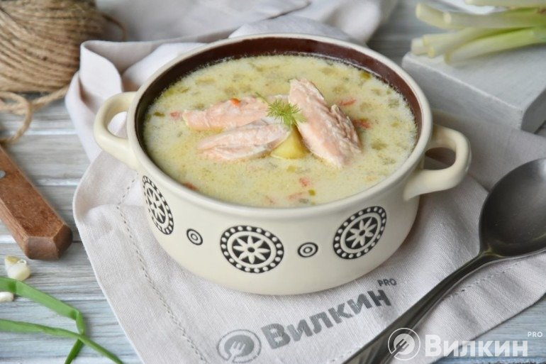 Финский суп с лососем и сливками в домашних условиях