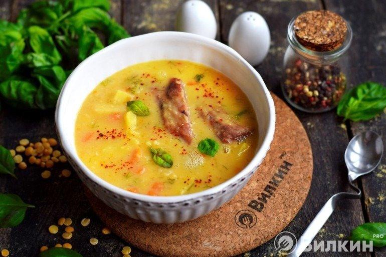 Гороховый суп с ребрышками свиными