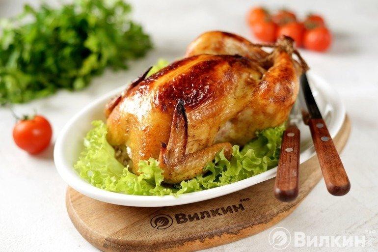 Курица, запеченная целиком в фольге