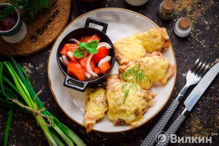 Отбивные из свинины с сыром в духовке