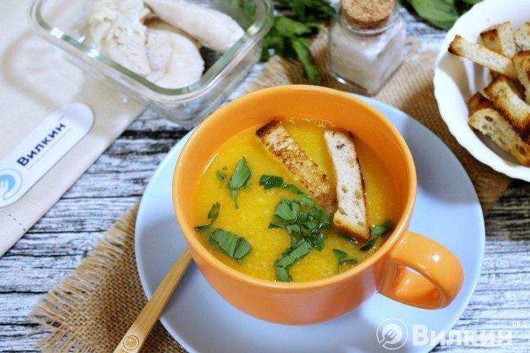 Диетический суп-пюре с гренками