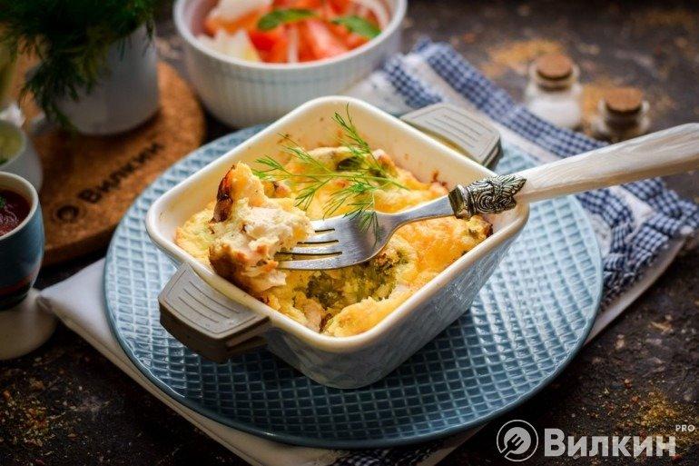 Запеканка с капустой брокколи и курицей на ужин