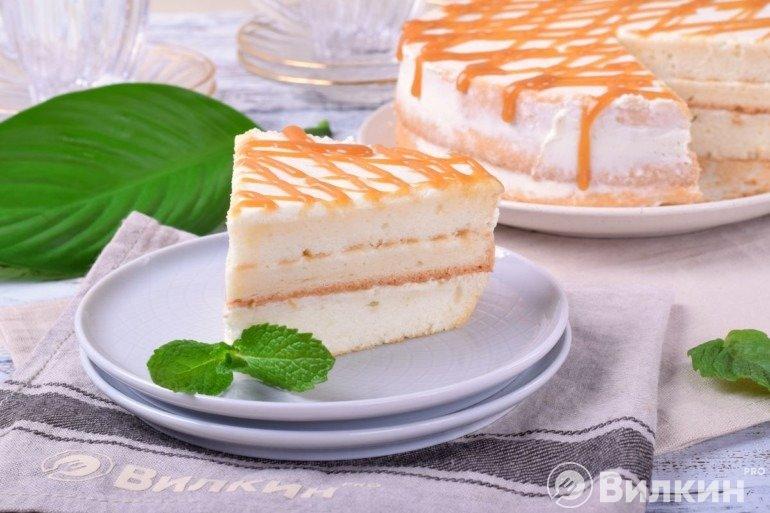 Кусочек торта из ангельского бисквита